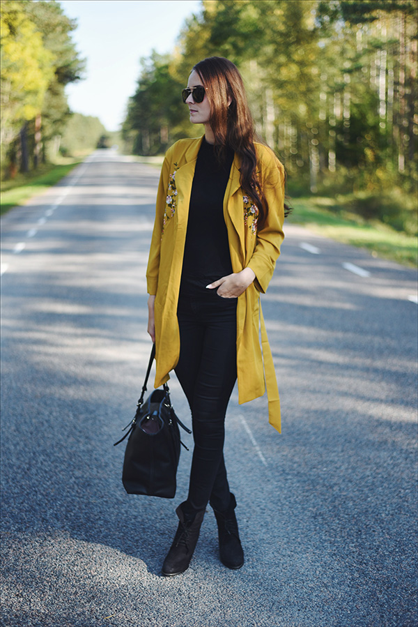 Fall fashion long mustard yellow embroidery coat Mariliis Anger